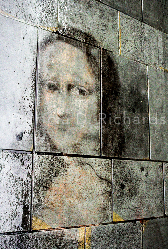 mona lisa in the rain